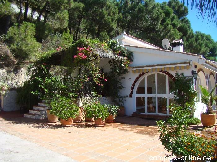 aussen ferienhaus casa carina an der costa del sol zu vermieten ferienh user in spanien. Black Bedroom Furniture Sets. Home Design Ideas