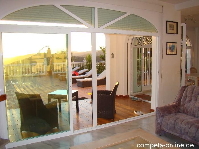 villa axarquia wohnzimmer k che ferienhaus in moclinejo in andalusien an der costa del sol zur. Black Bedroom Furniture Sets. Home Design Ideas